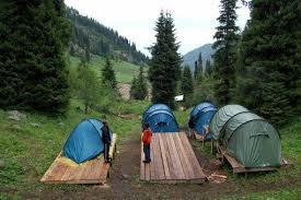 куни в лагере
