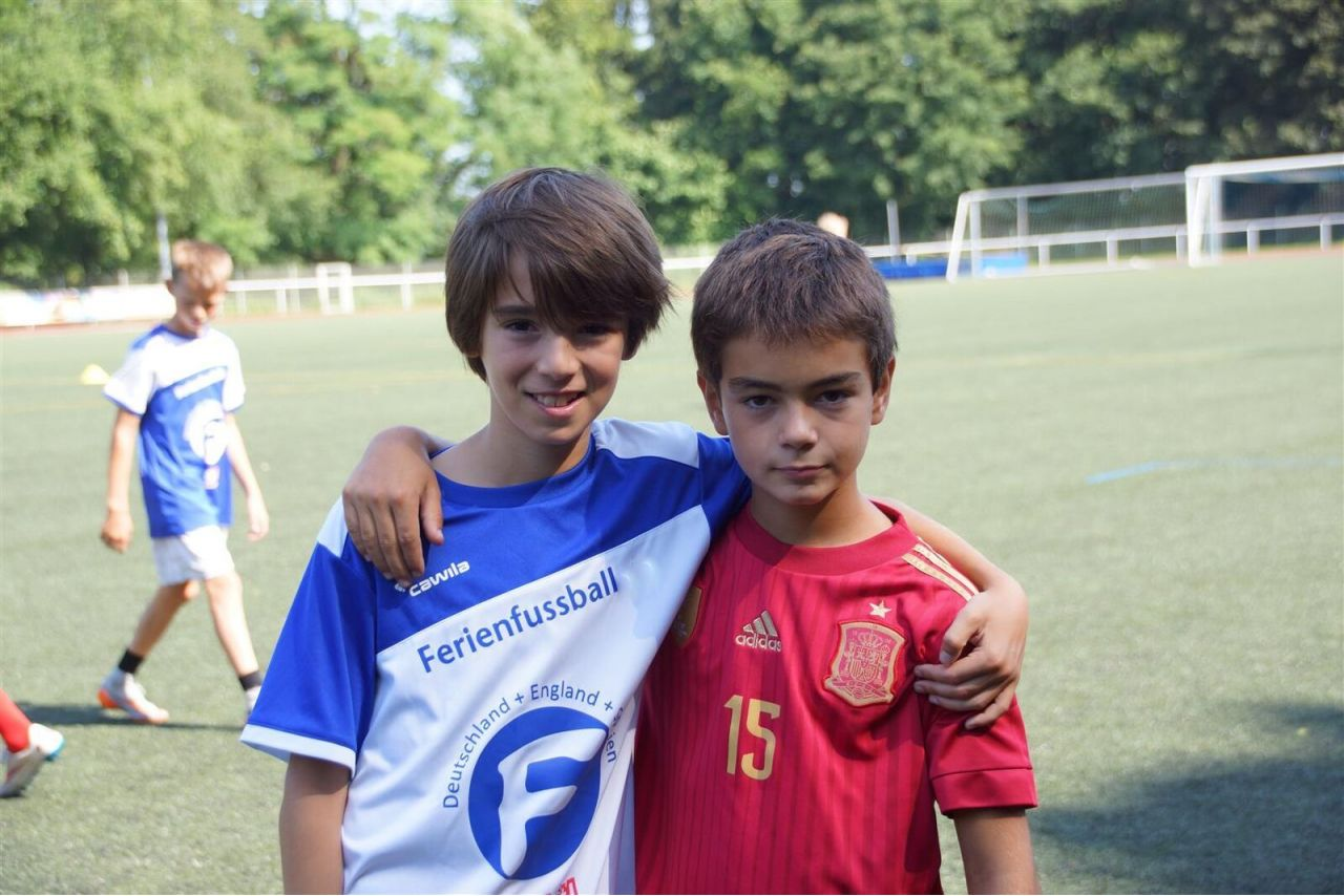 Ferienfussball. International football Camp