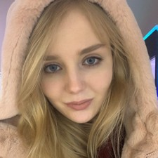 Яна Романовна